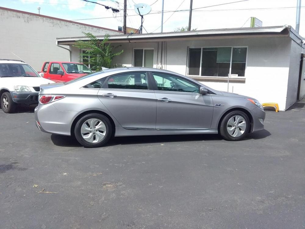 2014 Silver /Gray Hyundai Sonata Sedan (KMHEC4A47EA) with an 2.4L L4 DOHC 16V HYBRID engine, 6-Speed Automatic transmission, located at 3605 W Overland Rd., Boise, ID, 83705, (208) 863-0063, 43.589729, -116.226181 - Photo #0